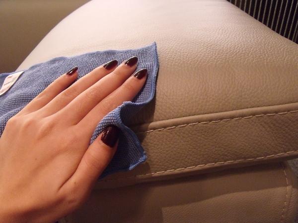 Giặt thảm, giặt ghế sofa giá rẻ tại đường Bãi Sậy, quận 5 TPHCM
